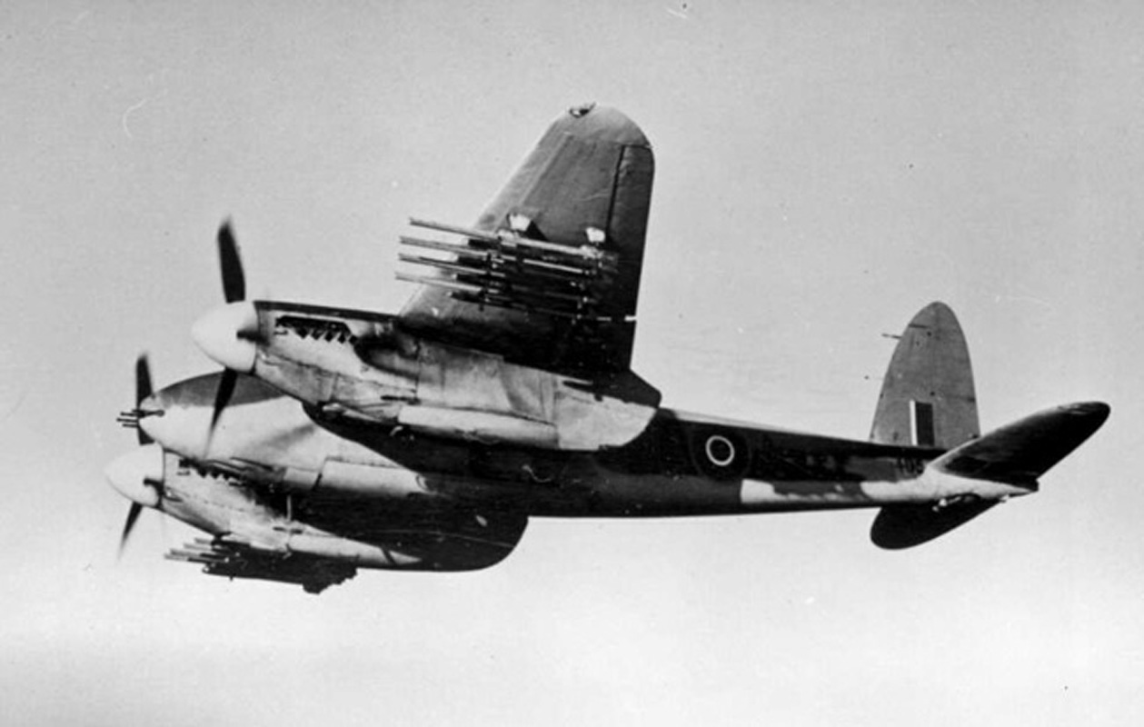 Mosquito VI armed with cannon and rockets.