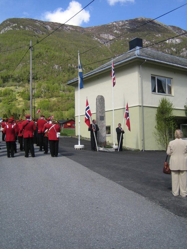 Norwegian day of Independence and memorial service, 17th March 2006.