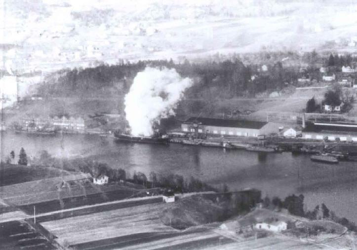 Shipping aflame in Porsgrunn