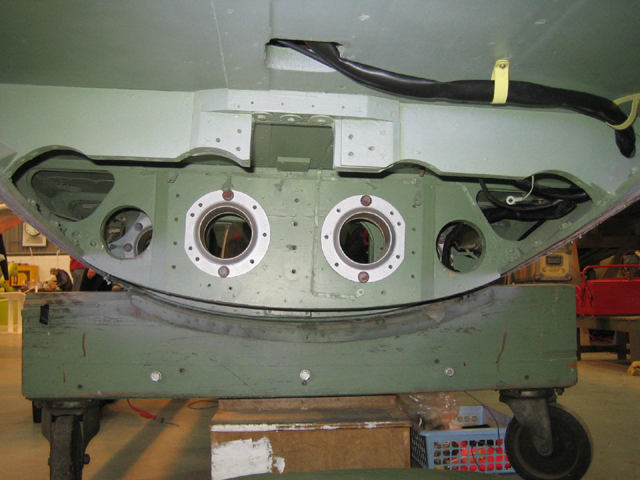Mosquito VI under belly structure for 4 20mm Hispano cannon